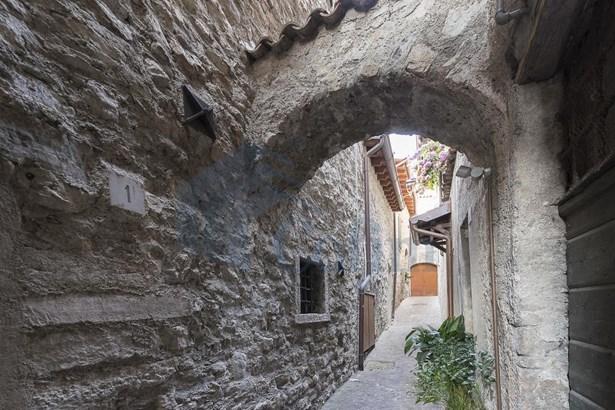 Via Volto, Brescia - ITA (photo 1)