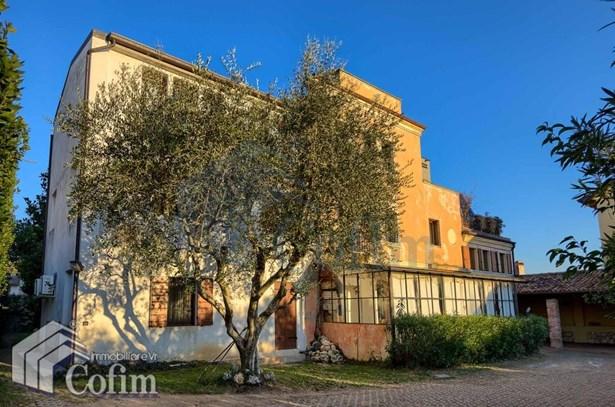 Via Monsignor Carraro , Verona - ITA (photo 1)