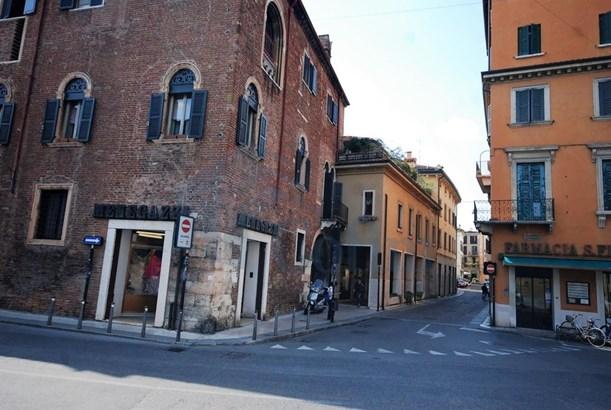 Stradone Scipione Maffei Ang. Via Tazzoli, Verona - ITA (photo 1)