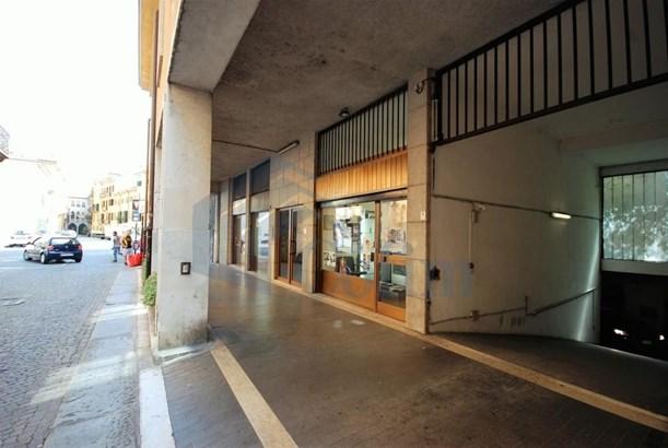 Stradone Scipione Maffei Ang. Via Tazzoli, Verona - ITA (photo 2)