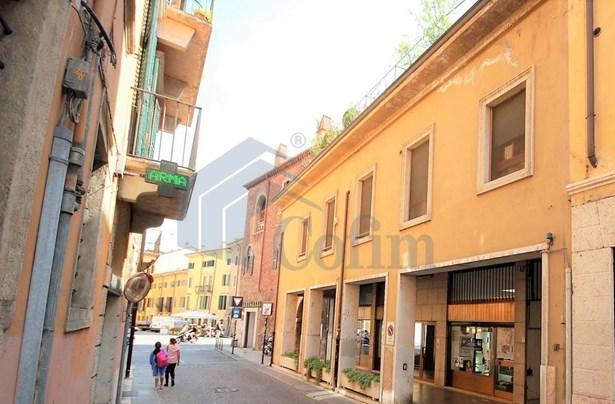 Stradone Scipione Maffei Ang. Via Tazzoli, Verona - ITA (photo 3)