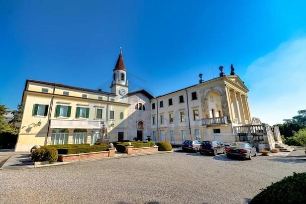 Strada Dei Monti , Verona - ITA (photo 1)
