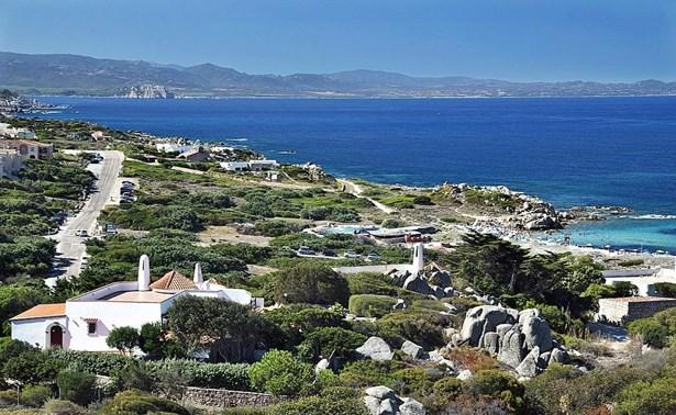 Baia Santa Reparata, Sardinia - ITA (photo 2)