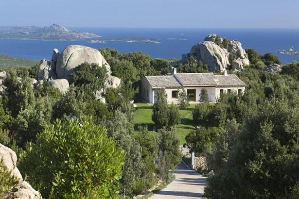 Cannigione, Sardinia - ITA (photo 1)