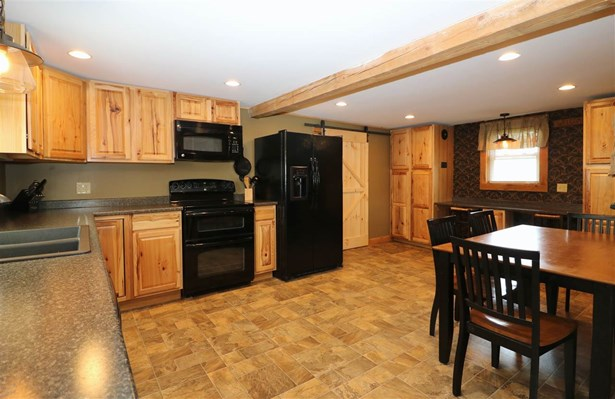 New Englander, Single Family - Berlin, NH (photo 4)