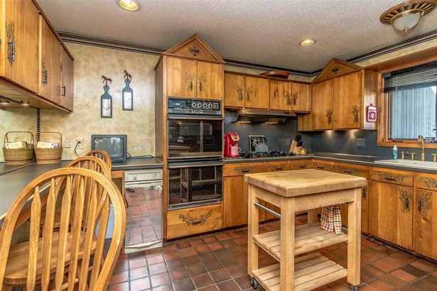 Condo, Contemporary,Inside Row,Multi-Level,Townhouse - Conway, NH (photo 2)