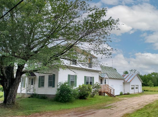 Single Family Residence, Farmhouse - Fryeburg, ME