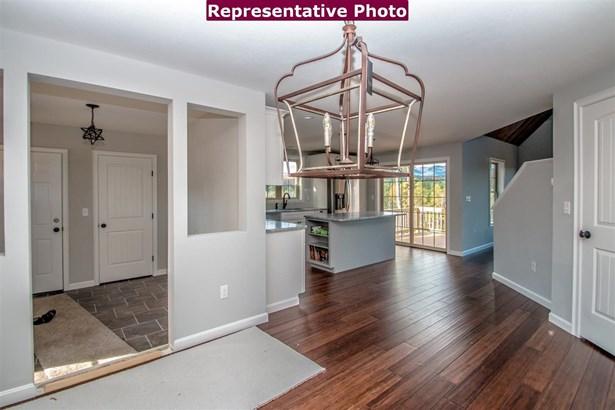 Contemporary, Single Family - Madison, NH (photo 3)