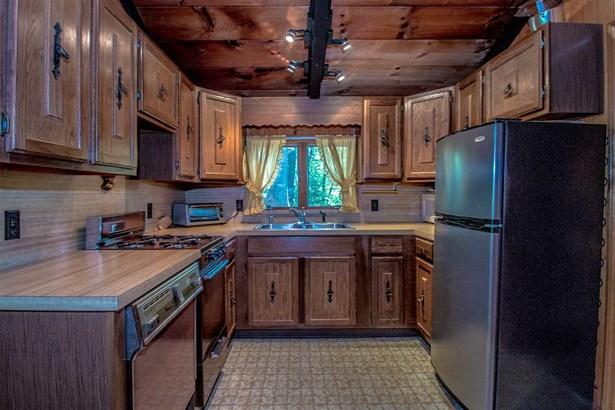Chalet, Single Family - Conway, NH (photo 2)