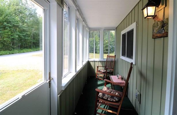 Cottage/Camp, Single Family - Stark, NH (photo 2)