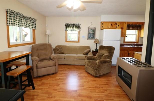 Cottage/Camp, Single Family - Stark, NH (photo 4)