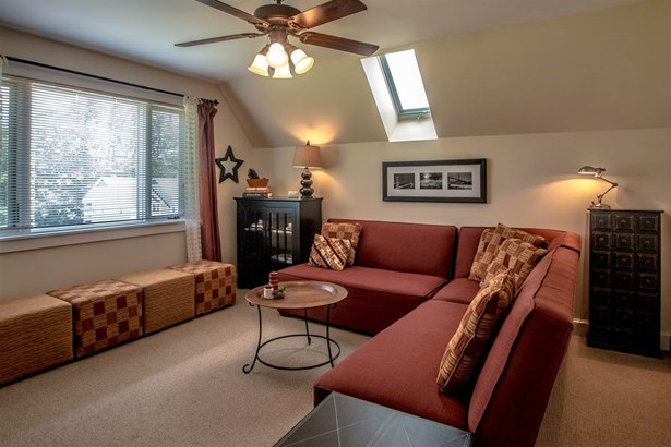 Condo, New Englander - Conway, NH (photo 2)