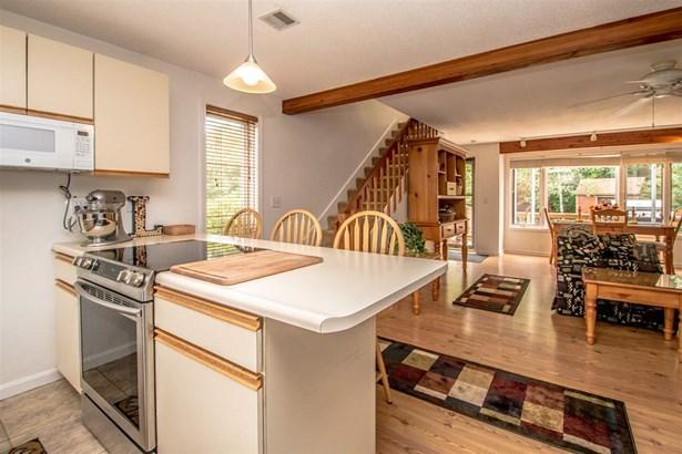 End Unit,Saltbox,Townhouse, Single Family - Madison, NH (photo 3)