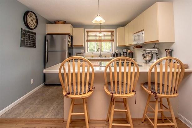 End Unit,Saltbox,Townhouse, Single Family - Madison, NH (photo 4)