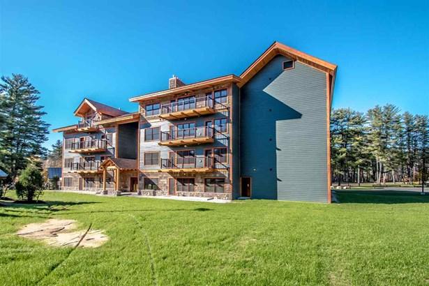 Contemporary,End Unit,Top Floor, Condo - Conway, NH (photo 1)