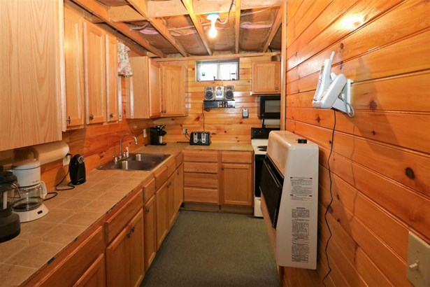 Ranch,Walkout Lower Level, Single Family - Wentworths Location, NH (photo 4)