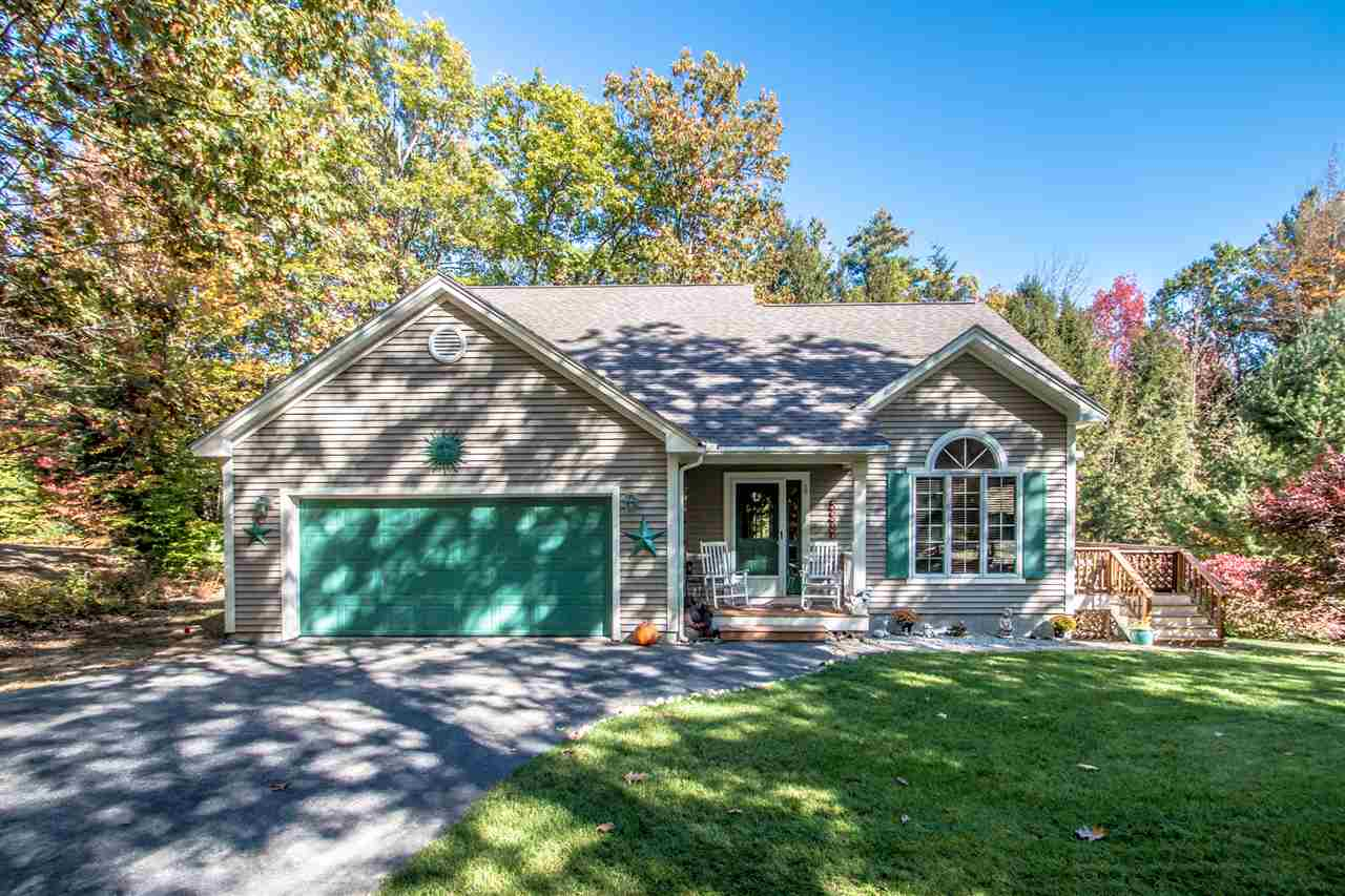 Contemporary,Walkout Lower Level, Single Family - Conway, NH (photo 1)