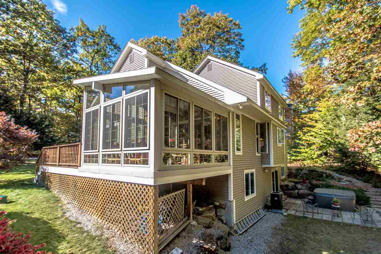 Contemporary,Walkout Lower Level, Single Family - Conway, NH (photo 2)