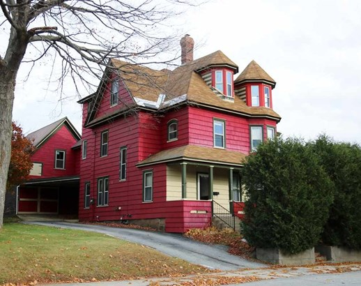 Colonial, Single Family - Berlin, NH (photo 1)
