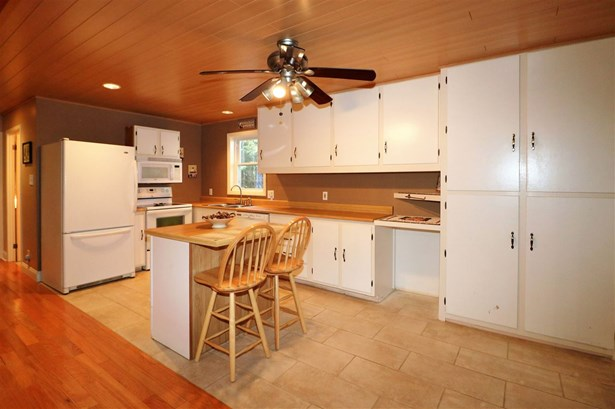 Ranch, Single Family - Gorham, NH (photo 3)