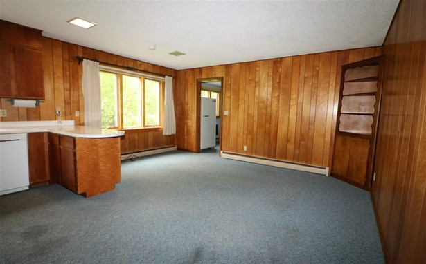 Raised Ranch, Single Family - Whitefield, NH (photo 5)