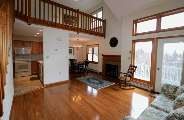 Tri-Level,Walkout Lower Level, Single Family - Berlin, NH (photo 1)