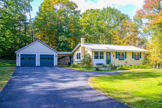 Ranch, Single Family - Parsonsfield, ME