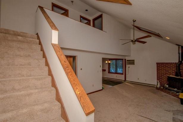 Condo, Duplex,Townhouse - Conway, NH (photo 4)