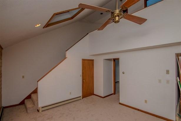 Condo, Duplex,Townhouse - Conway, NH (photo 5)