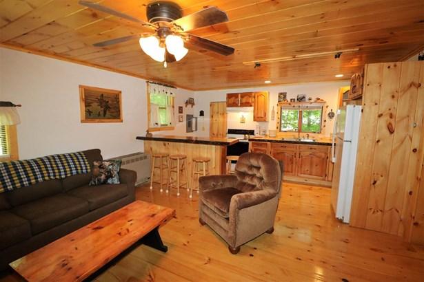 Cabin, Single Family - Gorham, NH (photo 2)