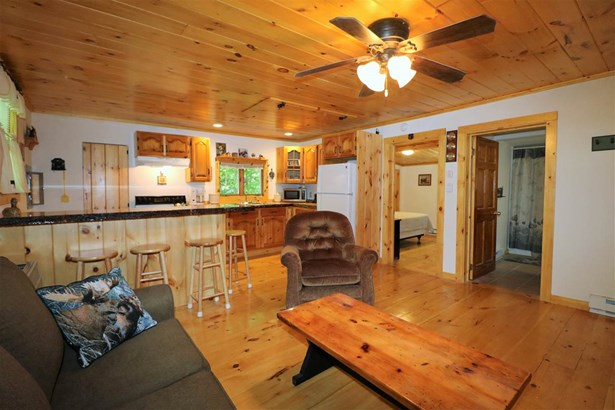 Cabin, Single Family - Gorham, NH (photo 3)