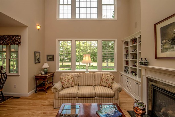 Contemporary, Single Family - Hales Location, NH (photo 4)