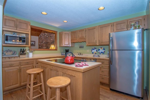 End Unit,Multi-Level,Townhouse, Condo - Conway, NH (photo 2)
