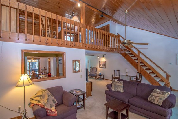 End Unit,Multi-Level,Townhouse, Condo - Conway, NH (photo 4)
