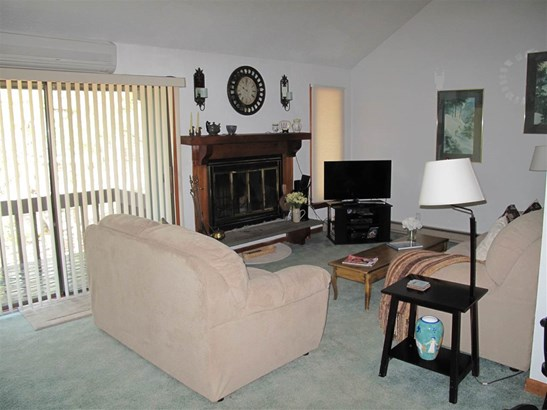 Townhouse, Single Family - Conway, NH (photo 2)