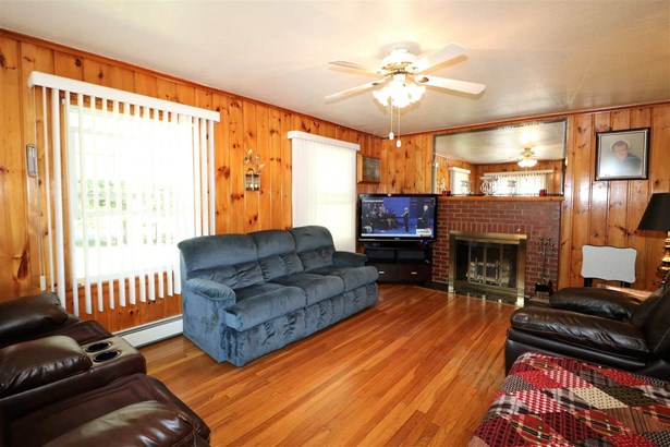 Bungalow,Ranch, Single Family - Berlin, NH (photo 4)