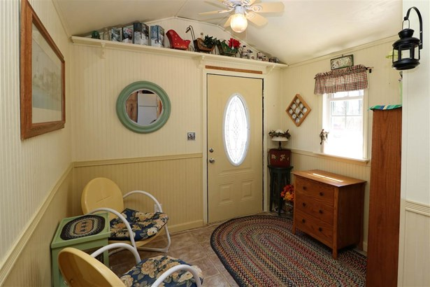 Cottage/Camp,Raised Ranch, Single Family - Whitefield, NH (photo 3)
