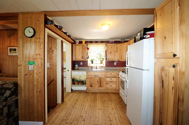 Cottage/Camp,Raised Ranch, Single Family - Whitefield, NH (photo 5)