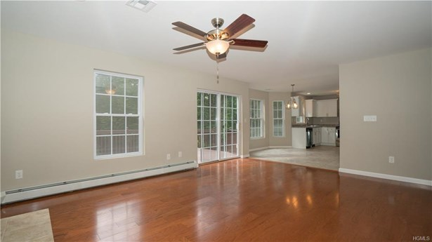 Colonial,Contemporary, Single Family - Middletown, NY (photo 3)