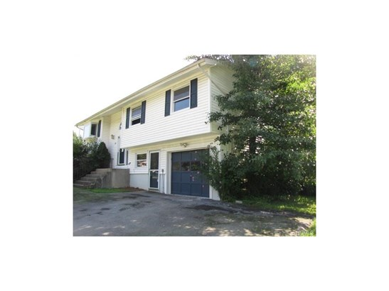 Bilevel, Single Family - Monroe, NY (photo 2)