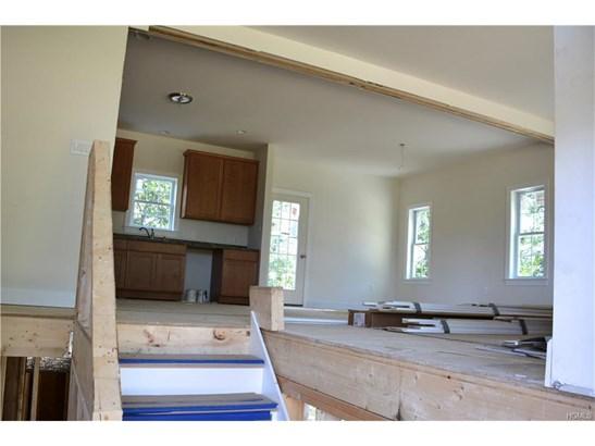Bilevel,Colonial, Single Family - Marlboro, NY (photo 4)