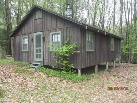 Bungalow,Cottage, Single Family - Middletown, NY