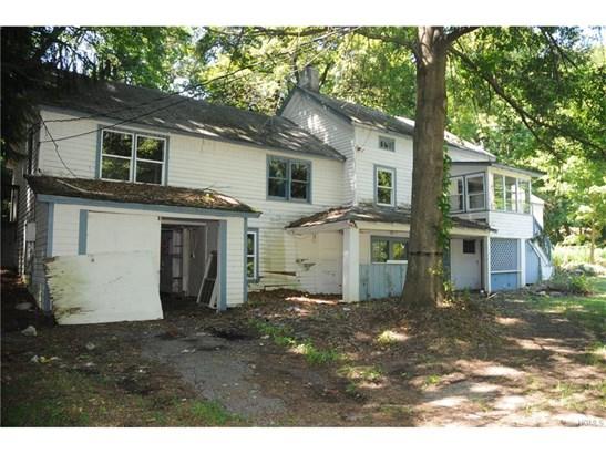 Farm House, Single Family - Bloomingburg, NY (photo 1)