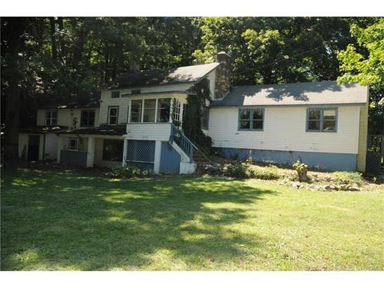 Farm House, Single Family - Bloomingburg, NY (photo 2)