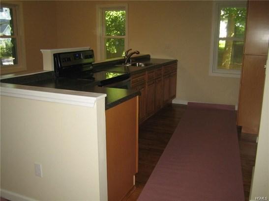 Rental, Cottage - New Windsor, NY (photo 5)