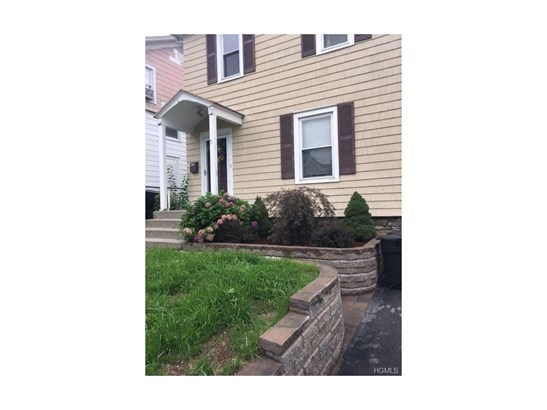 Two Story, Single Family - Middletown, NY (photo 2)