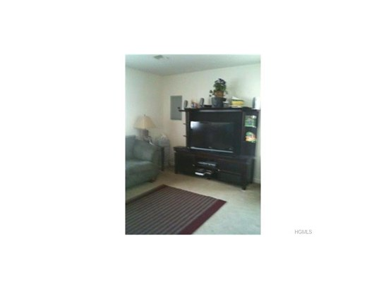 Two Story, Duplex - Middletown, NY (photo 2)