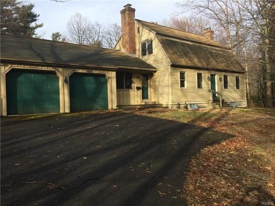 Colonial, Single Family - Pine Bush, NY (photo 2)