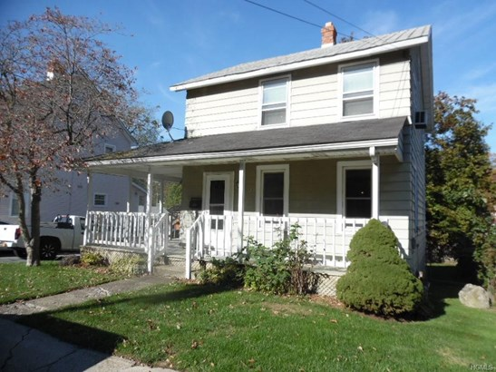 Two Story, Single Family - Middletown, NY (photo 1)