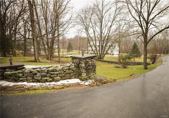 Colonial, Single Family - Newburgh, NY (photo 2)